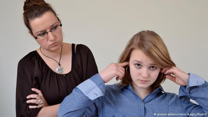 """زوجة الأب.. """"محتلة"""" قاسية أم والدة بديلة؟"""