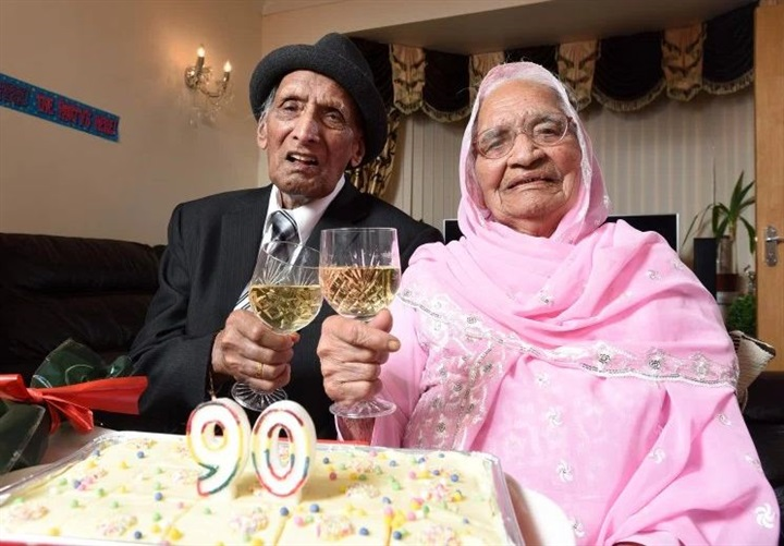 شاهد بالصور.. أقدم زوجين في العالم يحتفلان بذكرى زواجهما الـ90