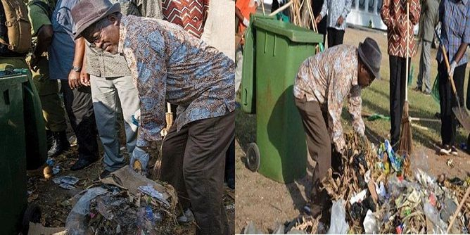 شاهد بالصور .. رئيس دولة يجمع القمامة