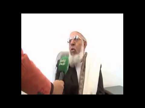 بالفيديو.. داعية إسلامي يضع مذيعًا في موقف محرج