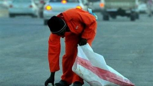 150 سعوديا يتنافسون على وظيفة «عامل نظافة» براتب 4 آلاف ريـال