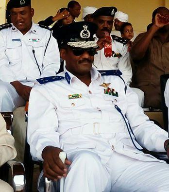 صورة للواء عبدالرحمن المهدي تثيراً جدلاً قانونياً !