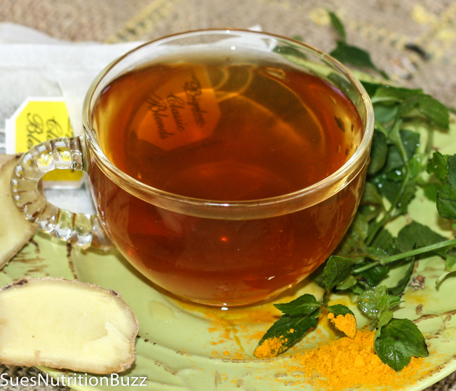 Ginger Mint Turmeric Tea to Heal a Cold