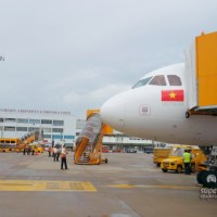 Flying Deluxe Class on VietJet Air