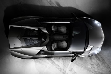 2010_Lamborghini_ReventnRoadster3