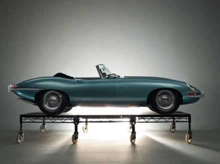 1961_Jaguar_EType38Roadster-3-1024