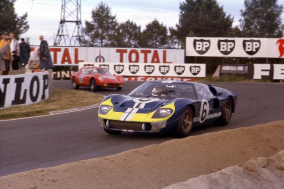 24 Hours of LeMans, LeMans, France, 1966. Mario Andretti/Lucien Bianchi Holman Moody Ford Mark II at the Mulsanne Hairpin. CD#0554-3252-2890-17.