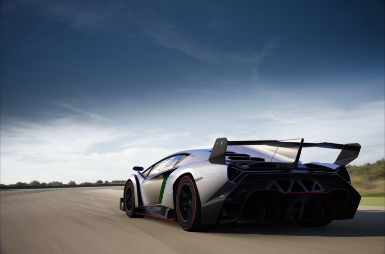 2013_Lamborghini_Veneno-6-1024