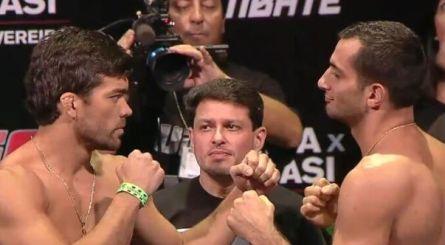 Machida (esq.) e Mousasi (dir.) bateram o peso no UFC Fight Night 36. Foto: Reprodução