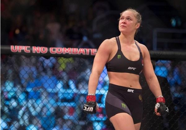 Ronda (foto) não luta desde novembro de 2015. Foto: Jeff Bottari/UFC