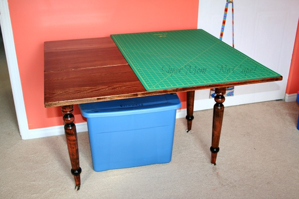 My new cutting table with cutting mat in place