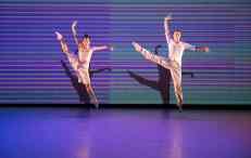 featuring Andrea Yorita, Caili Quan > choreography by Matthew Neenan > photo by Alexander Iziliaev