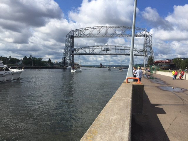 duluth lift bridge up