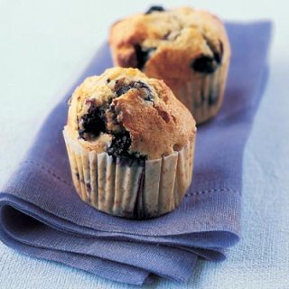 white-chocolate-and-blueberry-muffins-recipe