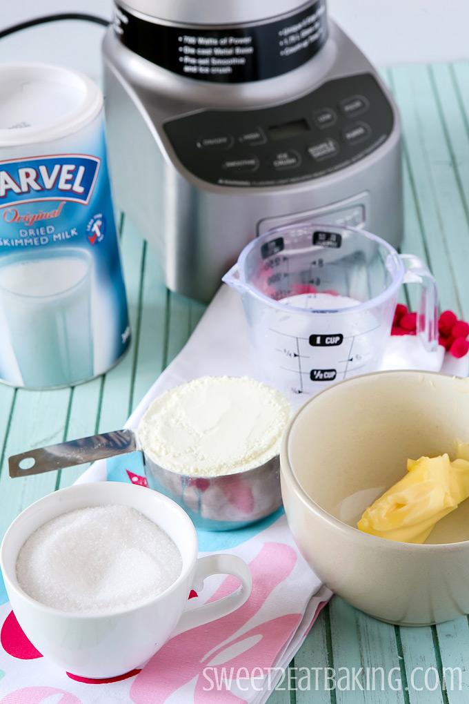 Homemade Sweetened Condensed Milk Recipe   Sweet2EatBaking.com   #homemade #sweetened #condensedmilk