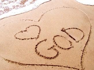 Przykazanie miłości to obietnica największego szczęścia. Będziesz miłował.