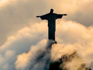 Najłatwiej rozpoznać Jezusa na szczycie. Na szczycie Golgoty lub na szczycie możliwości.