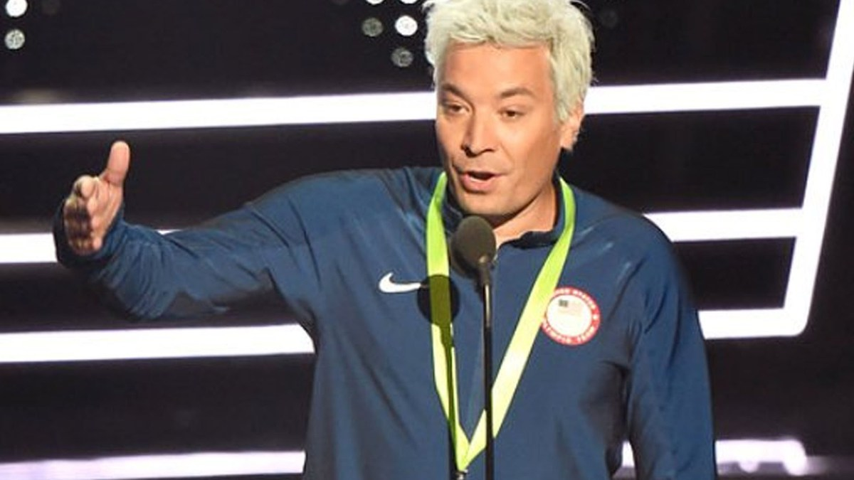 Jimmy Fallon went full Ryan Lochte for his VMAs appearance
