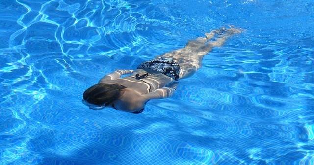 ed37b30a2cf21c3e81584d04ee44408be273e5d119b015489cf6_640_swimming