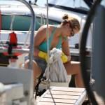 Harda bud å vaske klær ombord ja!