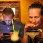 Vælkommen drinker og avskjedsdrinker. Åshild og Henning mønster på, Daniel mønstrer av.