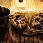 Et herremåltid med andeconfit og bakte rotgrønnsaker.