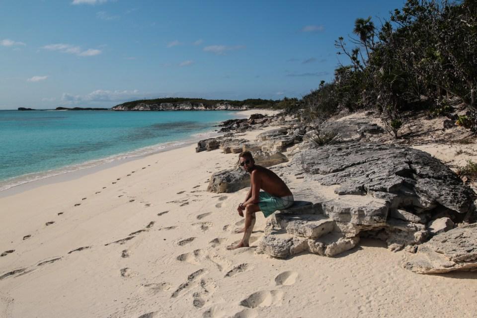 Perfekt strand og helt ubebodd, og enda bedre ingen andre enn oss på stranda.