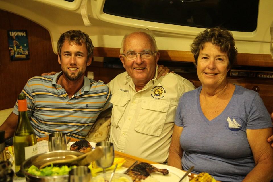 Våre sporty, amerikanske reserveforeldre som blant annet reiser jorda rundt og flyr paraglide.