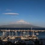 Det ligger alltid noen skyer rundt toppen av Pico