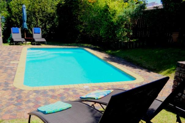 pool bayside lodge