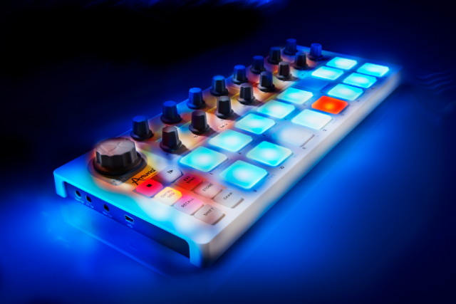 arturia intros beatstep controller  u0026 sequencer with cv