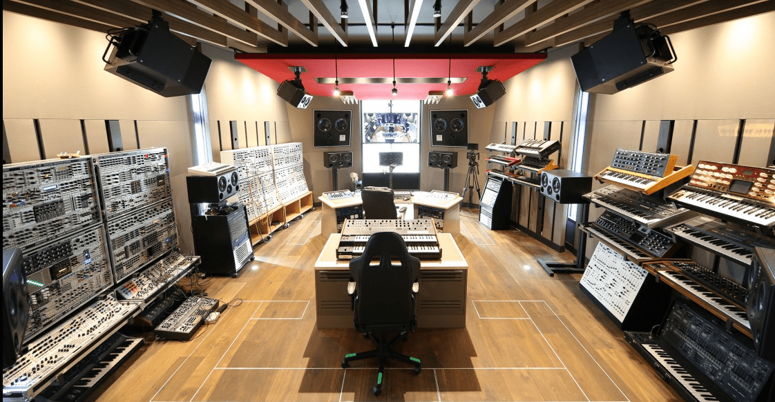 Inside The Epic Synth Lair Of Deadmau5 Synthtopia