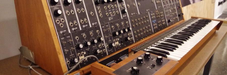 duke-modular-moog-synthesizer-2