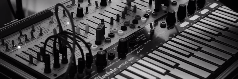 live-buchla-synthesizer-performance