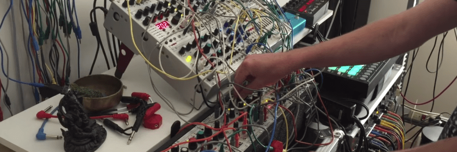 modular-synthesizer-jam-session