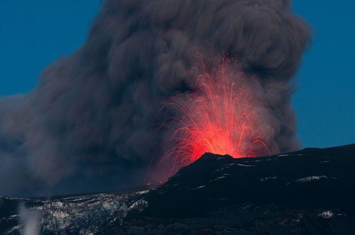 David Karnå_ Eyjafjallajökull_major_eruption_20100510
