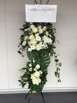 開院祝いスタンド花 熊本 花屋 シンプル 白 開店