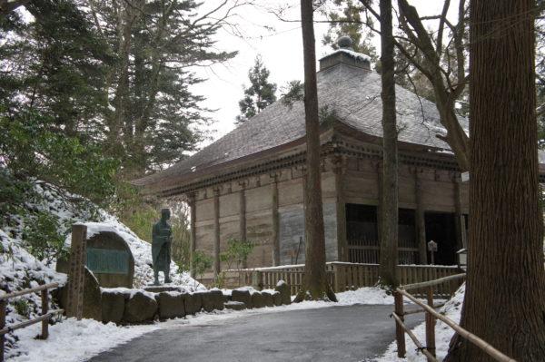 Nebengebäude im Chuson-Tempel