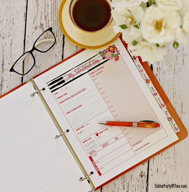 My Intentional Day is a daily planning sheet that is a crucial piece to the My Intentional Life plan. It will help you to live your life with more intention and purpose! Tabler Party Of Two | TablerPartyOfTwo.com