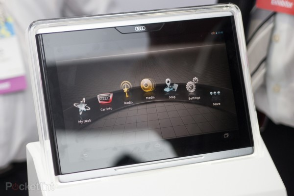 Tablette-Audi-Smart-Display-02