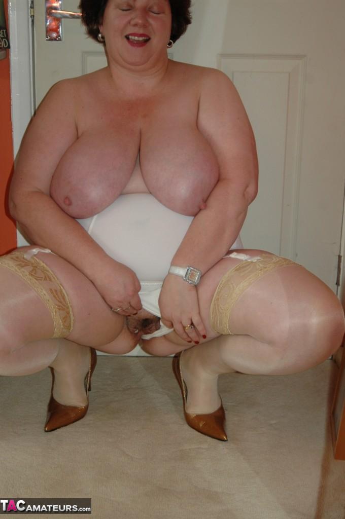 granny in girdles masturbating