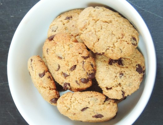 featured image almond oat choc chip cookies