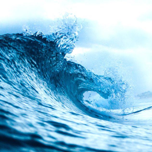Sea_Wave_Breaking_1000x1000