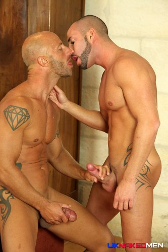 tattoo_men_horny