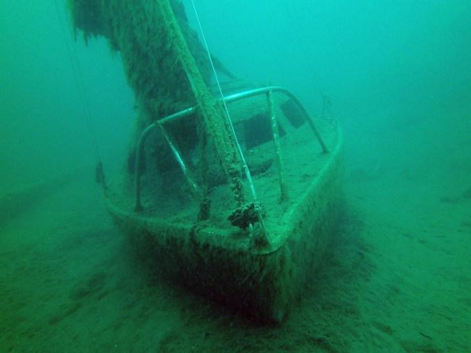 Segelboot, Tauchen im Kreidesee Hemmoor