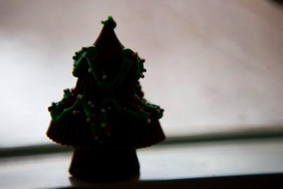 dark chocolate reeses tree