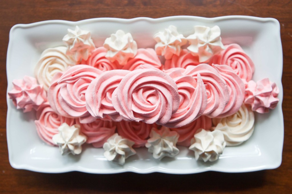 meringue roses for mothers day-4466