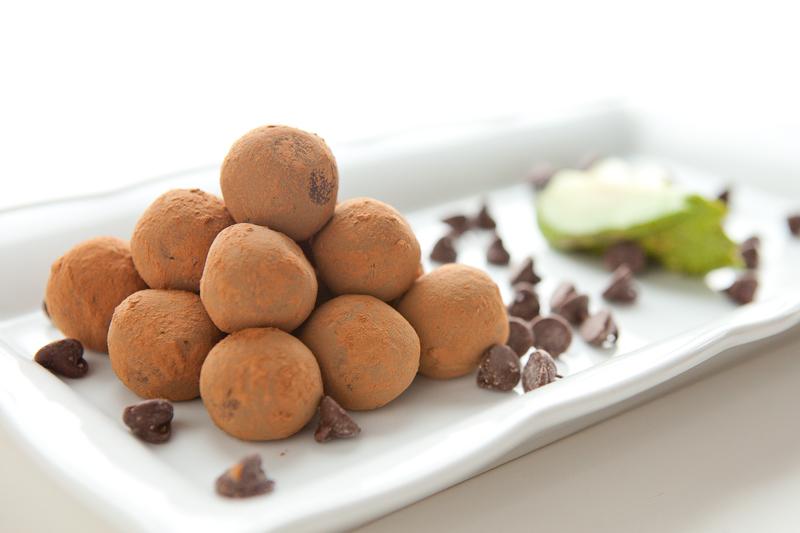 Chocolate Avocado Truffles | via teacher-chef.com 2015