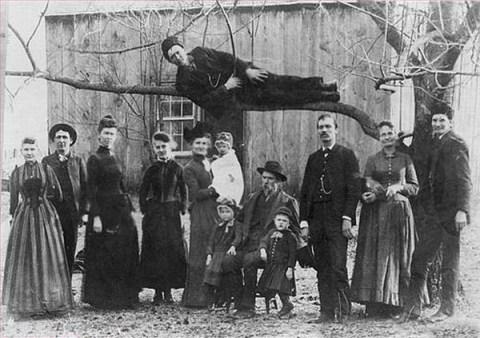 planking funny family photos, bad family photos, strange, weird, awkward family, stupidity, horrible family, wtf