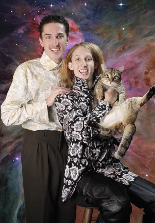 couple posing with cats portrait, bad family portraits Balls door knocker funny pictures weird pictures pics awkward family photos bad tattoos worst tattoos stupid people bad family photos funny family pics random strange